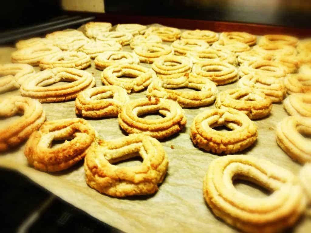 De færdigbagte glutenfri vaniljekranse