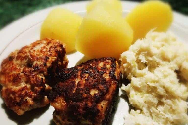 Glutenfri Frikadeller med Flødestuvet Hvidkål