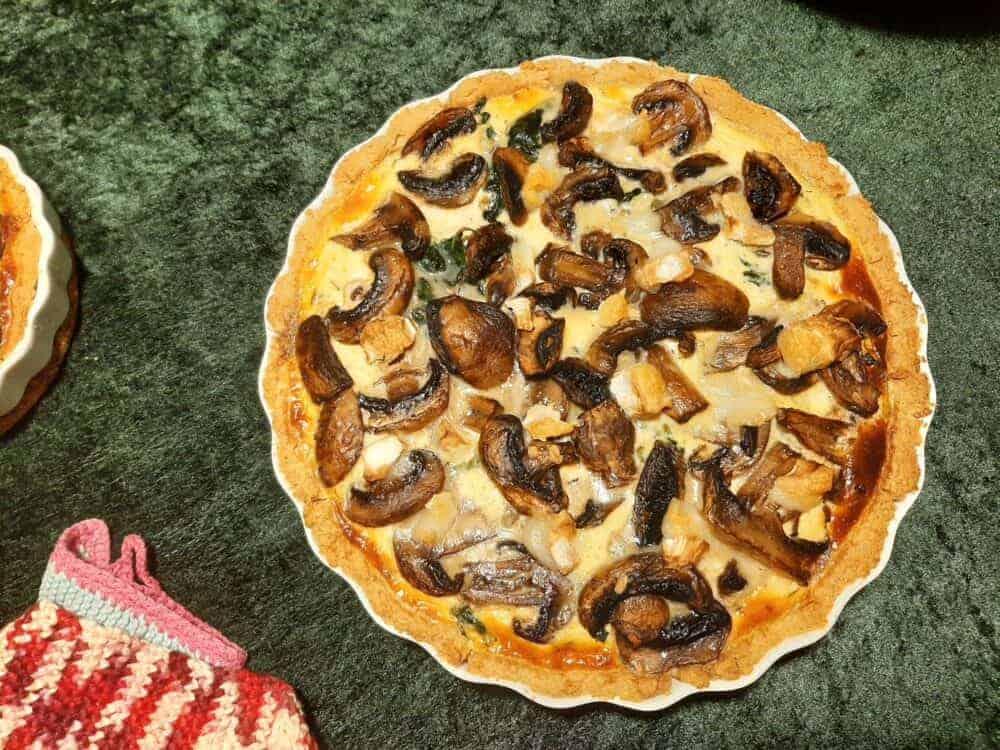 Glutenfri Tærte med champignon, spinat og bacon